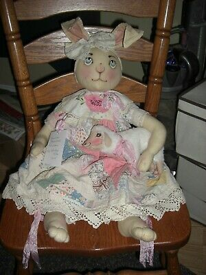26'' Treasures Remembered 2018 hand painted  primitive cloth Easter Bunny