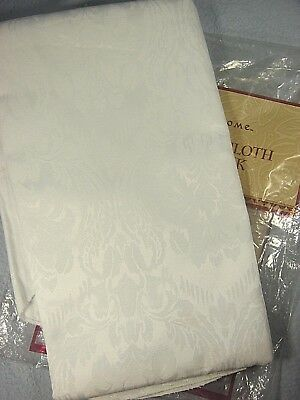 """VINTAGE UNUSED '70s SEARS WHOLE HOME OVAL DAMASK TABLECLOTH 60"""" x 84""""."""