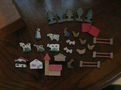 Vintage Made in Italy Wood Hand Carved/ Painted Farm Animals Wooden Box