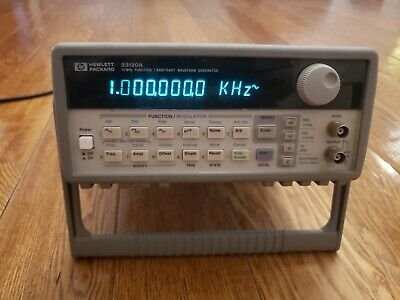 HP Agilent 33120A 15MHz Function Arbitrary Waveform Generator USED/Powers on