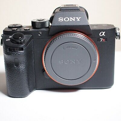 SONY ALPHA A7r II 42MP Body Only + Extra Battery - A7rII A7R2 - 2K Shutter Count