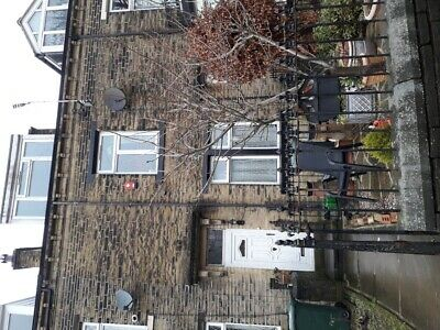Large terrace House with 11 rooms.6 bedroom 2 bathrooms.Bradford West Yorkshire