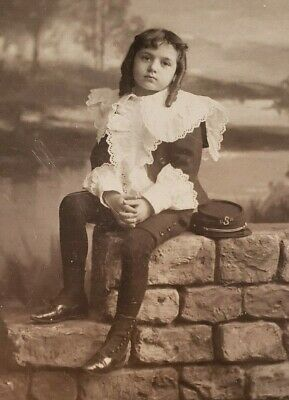 ANTIQUE PHOTOGRAPH YOUNG GIRL w FATHER'S MILITARY HAT HAUNTING SAD CABINET CARD