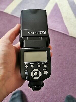 Yongnuo Speedlite YN565EXII Flash for Canon with Bag in VGC