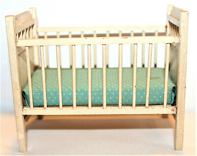 """Antique/Vintage Wooden Doll Crib Bed w Hand Painted Bear w Flowers 4.5"""" x 2.5"""""""