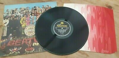 BEATLES Sgt Pepper MONO Vinyl LP with Fool inner sleeve and KT tax code. -1/-1.