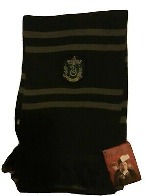Harry Potter Warner Brothers London - Slytherin green scarf BNWT