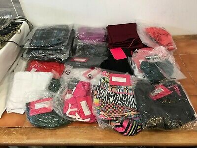 WHOLESALE JOBLOT of 37 BOOHOO Items Shorts tops skirts playsuits leggings (ws47)
