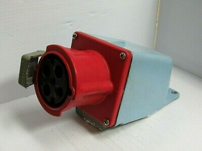 Hubbell Watertight Receptacle 460R7W 60A 3Ø 480Vac W/ Base - Used