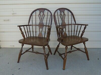 PAIR Arm Chairs Pennsylvania House Windsor 2 Colonial Oak Spindles Captain