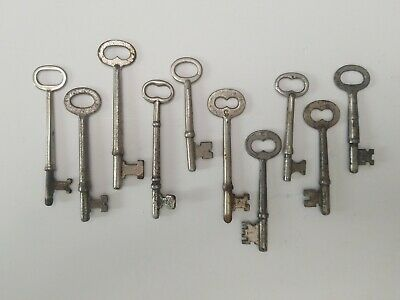 """Old Solid Steel Skeleton Keys, Lot of 10, Vary in size from 2.5"""" to 3.5"""""""