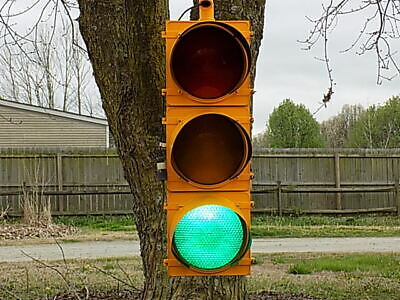 """Refurbished 12"""" Lens Traffic Light Signal with Sequencer"""