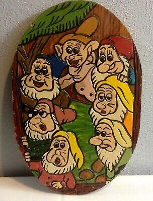 HAND CARVED & PAINTED WOODEN PICTURE SNOW WHITE'S SEVEN DWARFS 15 x 10 x 1