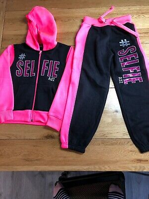 New Girl's SELFIE Tracksuit Age 7-8 Years