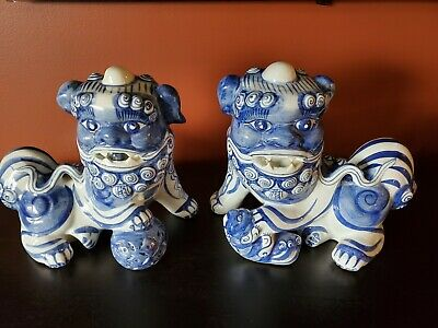 Chinese Vintage Foo Dogs Ceramic Hand Painted Blue White Statue Pair