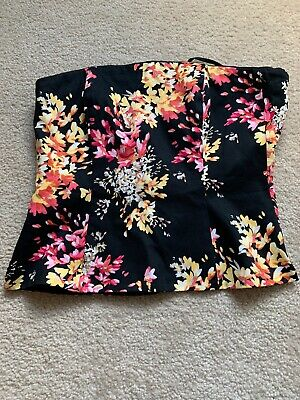 White House Black Market Floral Top New W/out Tags. Size 4