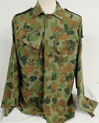 AUSTRALIAN ARMY UNIFORM SHIRT DPCU size 107L 1992 well badged Warrant Officer