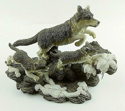 Herco Gift Professional Wolf Family Figurine Wolf Pack 7 inches