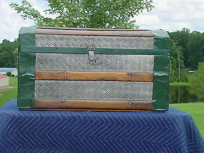 Antique Trunk  Embossed Tin  Orig Tray Pat'd 1889  Nice Restoration 131 Yrs Old?