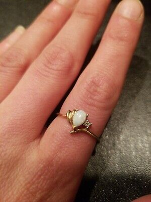 10k Yellow Gold And Opal Ring Size 6 3/4 LOT 75