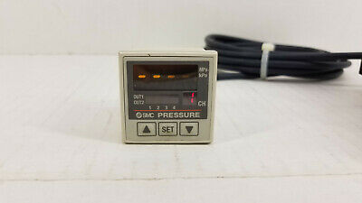 SMC PSE201 Four Channel Digital Pressure Controller with Display - Working!!