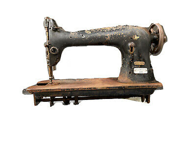 Vintage Singer Industrial Sewing Machine 31-15 As Is, Not Tested, B193197