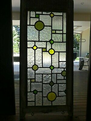 Stained glass leadlight window