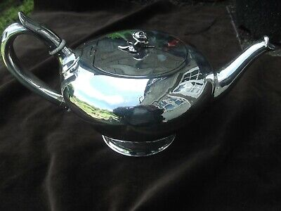1844 very nice early Victorian silver Pedastal teapot by Benjamin Smith