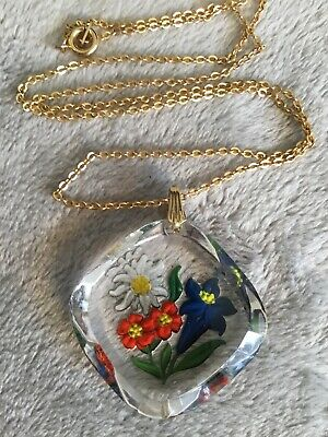 Art Deco 30s Red Reverse Carved Glass pendant Gold Metal Chain necklace
