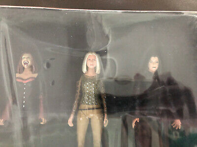 Buffy the Vampire Slayer Willow's Spellbook 703/3000 Set of 3 Action Figures