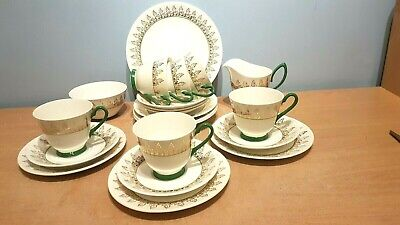 Beautiful Windsor Bone China 21 Piece Tea Set. Green & Gilt. Excellent Condition