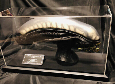 Hollywood Collectors Group  ALIEN REPLICA HEAD Limited Ed #422 H.R. Giger