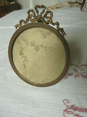 Antique French Brass Photo Fram Louis XVI style Round Picture Gilded 19th