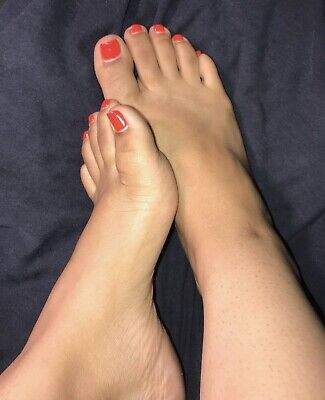 feet pictures for sell, size 7, latina