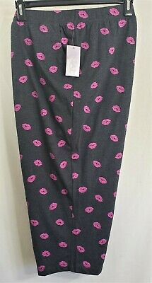 CATHERINES Sleepwear Size 3X Gray Pink Kisses Lips Capri Pants Womens 26/28W NWT