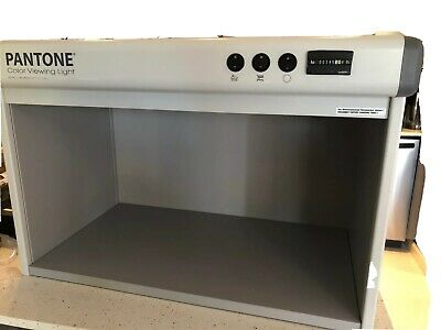 Pantone color Viewing Light No Reserve Professional light box / Photo Booth