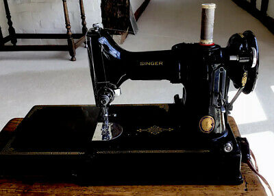 Vintage Singer Portable Electric Sewing Machine No 221K1