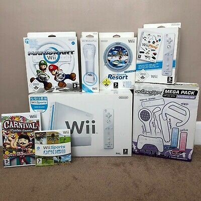 nintendo wii console bundle Games  2 Controllers