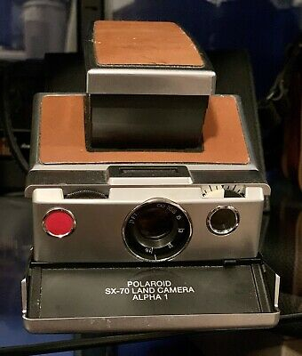 Vintage Polaroid SX-70 Folding Instant Land Camera with Leather Good Condition
