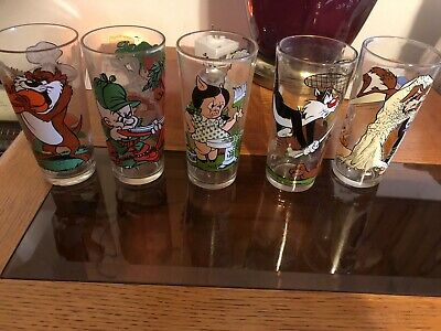5 1973  Looney Tunes Pesi Collector Glasses