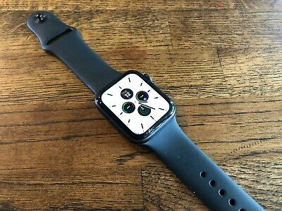 Apple Watch Series 5 44mm Space Gray Case Black Band - GPS - Small Crack