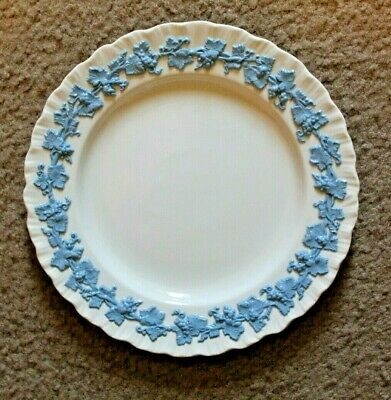 Set Of 7 Wedgewood & Barlaston Of Eturia Embossed Queensware Plates Cream/Blue