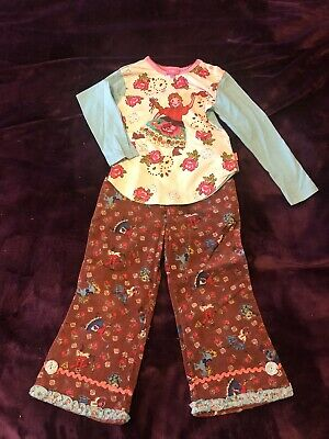 Beautiful and rare Oilily Russian dancers matroushka set 98 trousers and a top.