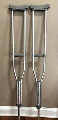 Crutches Adult 5'2 to 5'10 height used only once in excellent condition