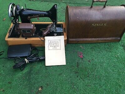 1 Vintage Singer Sewing Electric Mchine