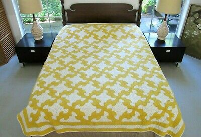 "NEEDS TLC Vintage (But NO Feed Sack) Hand Quilted DRUNKARD PATH Quilt; 87"" x 75"""