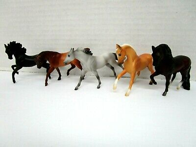 Vintage 1999 Breyer Reeves Miniature Horse Figures Mixed Lot of 5 Stablemates