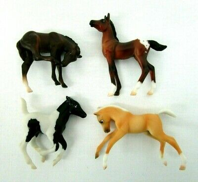 Vintage 1999 Breyer Reeves Mini Whinnies Horse Figures Lot of 4 mixed lot Tiny