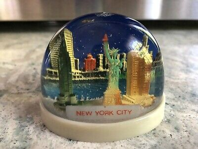 Vintage Rare Plastic Snow Globe Dome Souvenir Travel New York City Twin Towers
