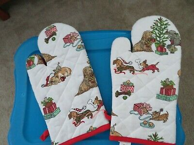 Quilted Dachshund Dog 2 Pair Set Oven Glove Mitts -  Pier 1 - Christmas Holiday